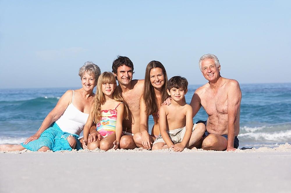 시크레스트 비치프런트 홀리데이 아파트먼츠(Seacrest Beachfront Holiday Apartments) Hotel Image 34 - Beach