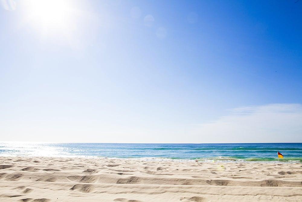 시크레스트 비치프런트 홀리데이 아파트먼츠(Seacrest Beachfront Holiday Apartments) Hotel Image 46 - View from Hotel