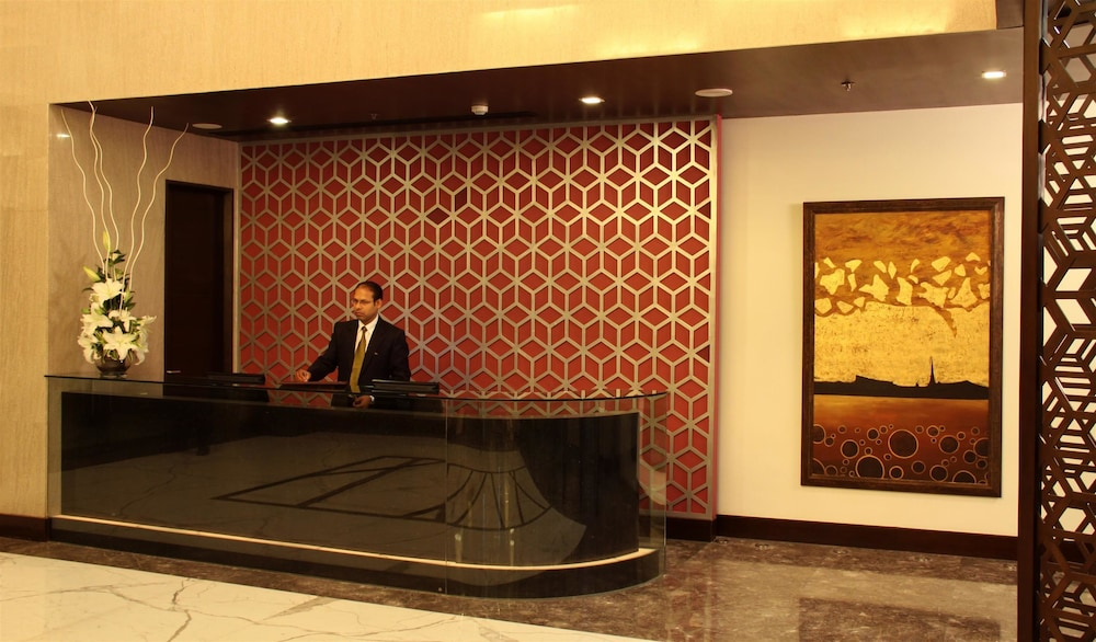 골든 튤립 델리-차타르푸르(Golden Tulip Delhi-Chattarpur) Hotel Image 2 - Reception