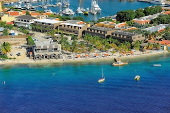 Hotel - Eden Beach Resort