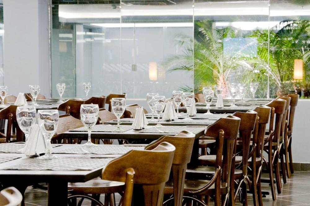 슬라비에로 슬림 콘곤하스(Slaviero Slim Congonhas) Hotel Image 32 - Food Court
