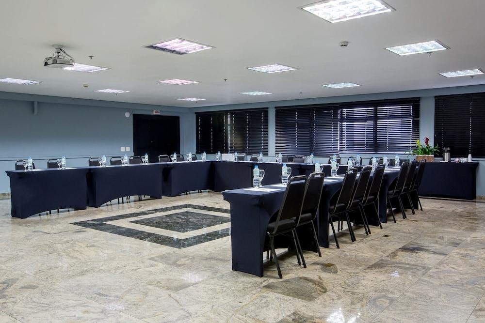 슬라비에로 슬림 콘곤하스(Slaviero Slim Congonhas) Hotel Image 38 - Ballroom
