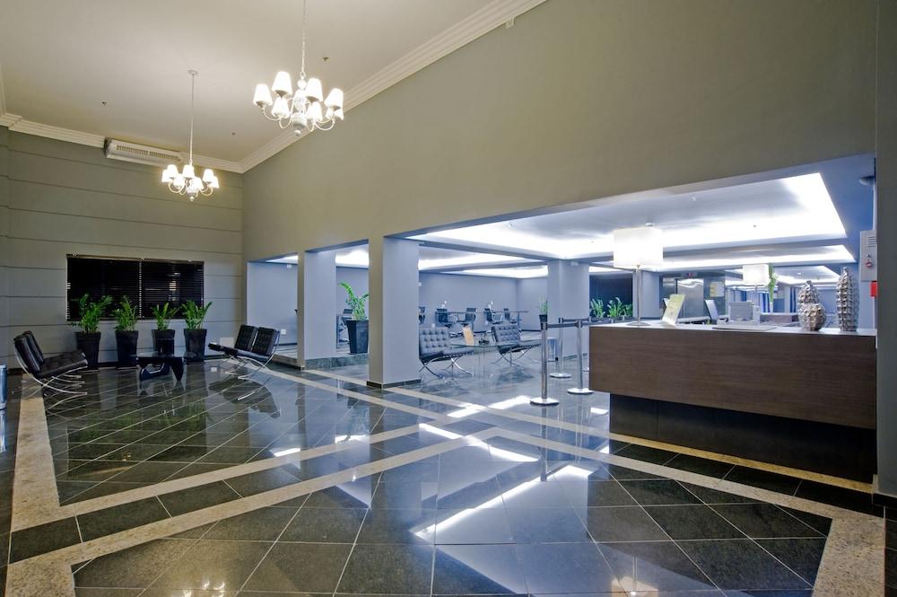 슬라비에로 슬림 콘곤하스(Slaviero Slim Congonhas) Hotel Image 24 - Interior Entrance