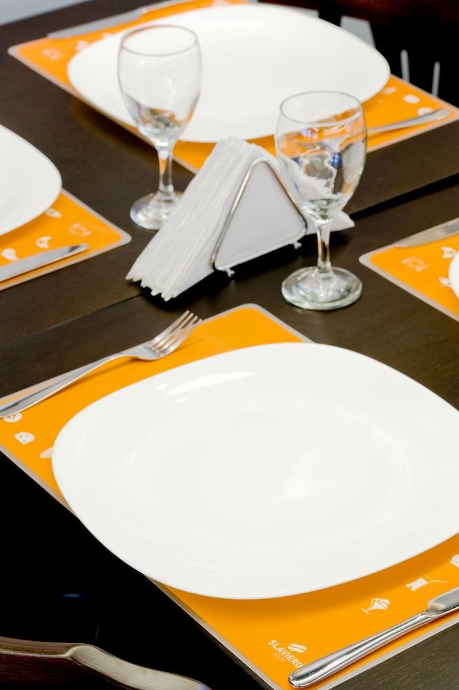 슬라비에로 슬림 콘곤하스(Slaviero Slim Congonhas) Hotel Image 35 - Breakfast Meal