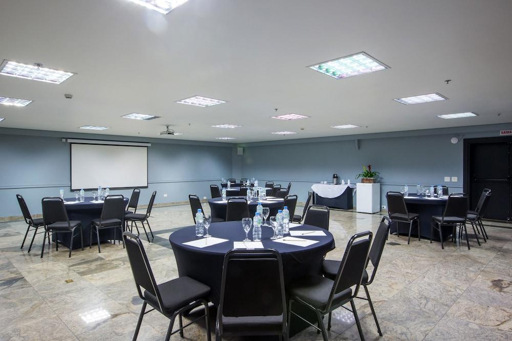 슬라비에로 슬림 콘곤하스(Slaviero Slim Congonhas) Hotel Image 40 - Ballroom