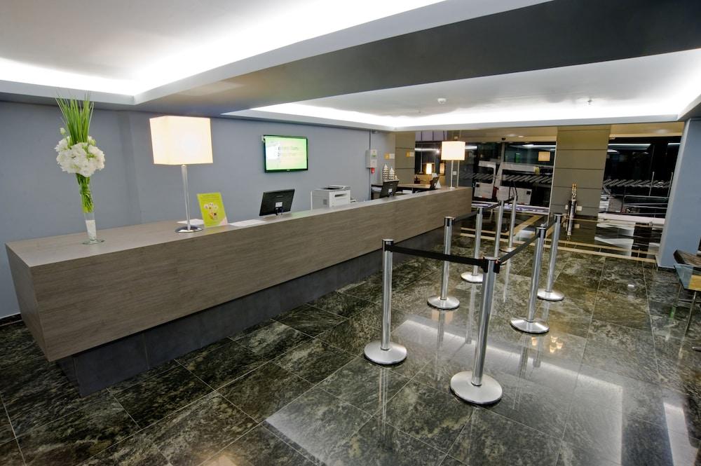 슬라비에로 슬림 콘곤하스(Slaviero Slim Congonhas) Hotel Image 2 - Interior Entrance