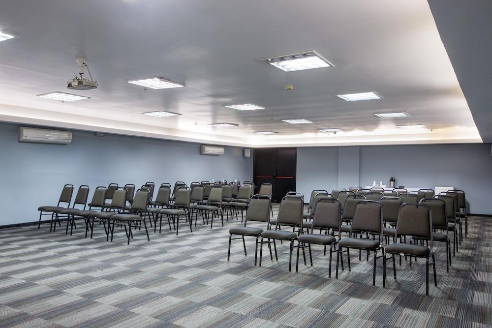 슬라비에로 슬림 콘곤하스(Slaviero Slim Congonhas) Hotel Image 41 - Ballroom