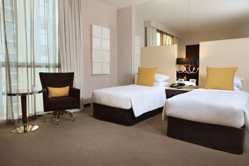 센트로 알 만할(Centro Al Manhal) Hotel Image 8 - Guestroom