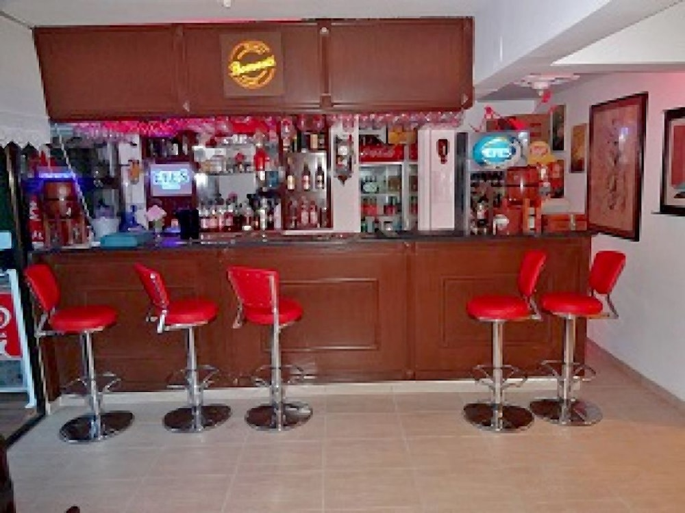 피나르 호텔(Pinar Hotel) Hotel Image 17 - Hotel Bar