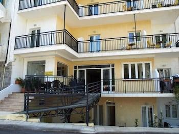 Haris Apartments, Featured Image