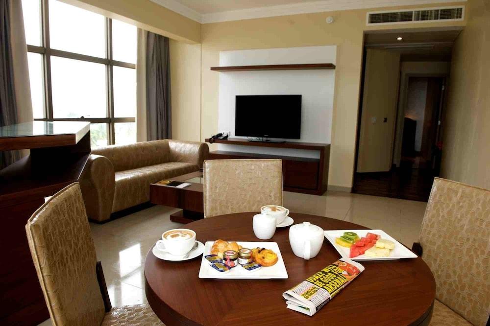 애비뉴 스위트(The Avenue Suites) Hotel Image 16 - In-Room Dining
