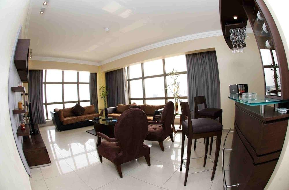 애비뉴 스위트(The Avenue Suites) Hotel Image 40 - Living Area