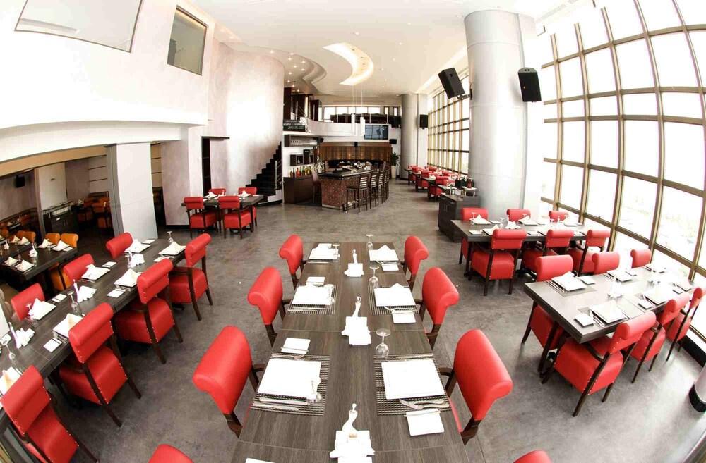 애비뉴 스위트(The Avenue Suites) Hotel Image 28 - Dining
