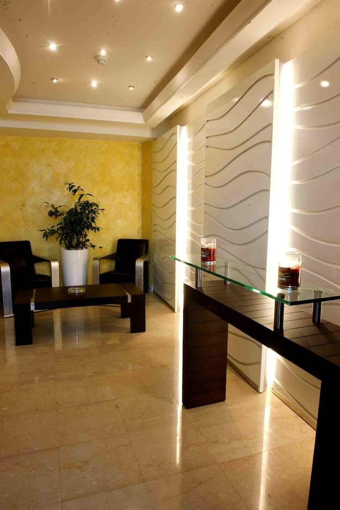 애비뉴 스위트(The Avenue Suites) Hotel Image 36 - Hotel Interior