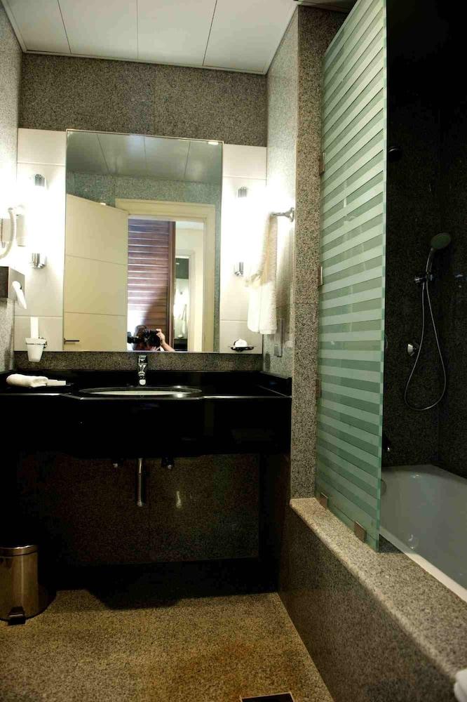 애비뉴 스위트(The Avenue Suites) Hotel Image 23 - Bathroom