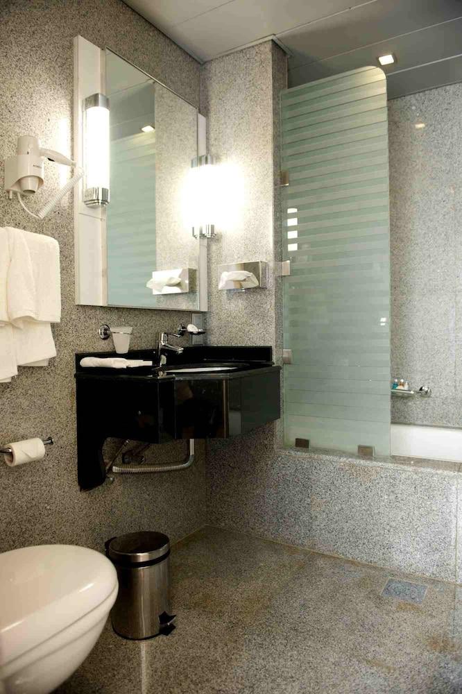 애비뉴 스위트(The Avenue Suites) Hotel Image 24 - Bathroom