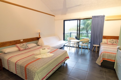 Airlie Beach Motor Lodge, Whitsunday