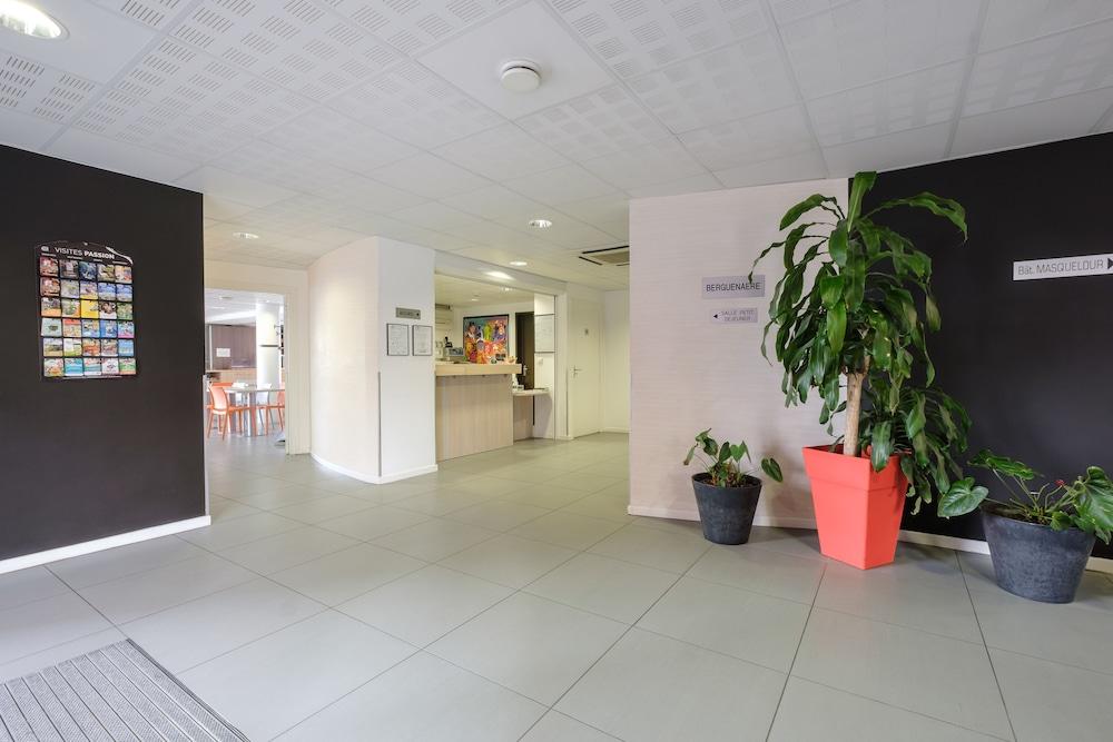 올 스위트 아파트 호텔 던커크(All Suites Appart Hotel Dunkerque) Hotel Image 32 - Interior Entrance