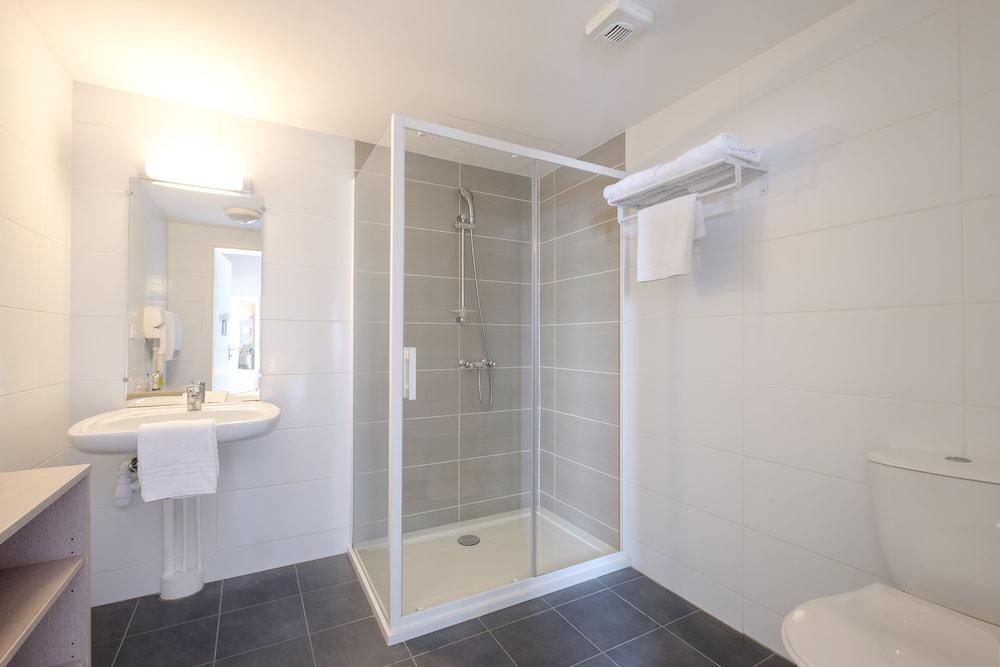 올 스위트 아파트 호텔 던커크(All Suites Appart Hotel Dunkerque) Hotel Image 20 - Bathroom