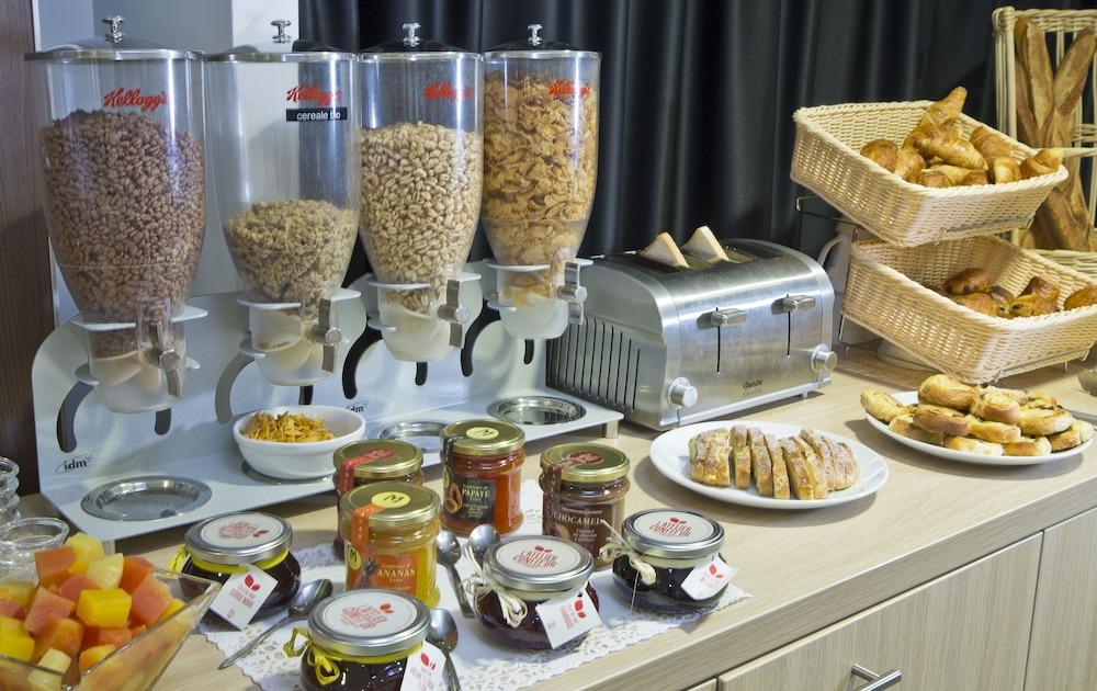 올 스위트 아파트 호텔 던커크(All Suites Appart Hotel Dunkerque) Hotel Image 31 - Breakfast Area