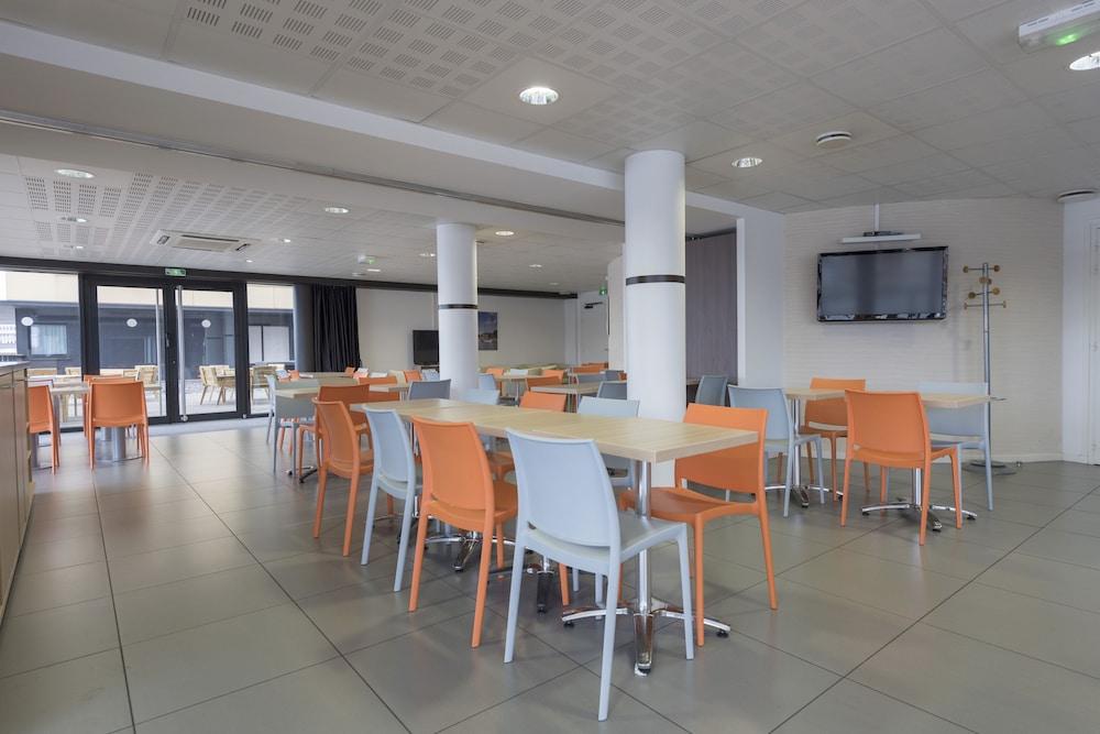 올 스위트 아파트 호텔 던커크(All Suites Appart Hotel Dunkerque) Hotel Image 33 - Breakfast Area