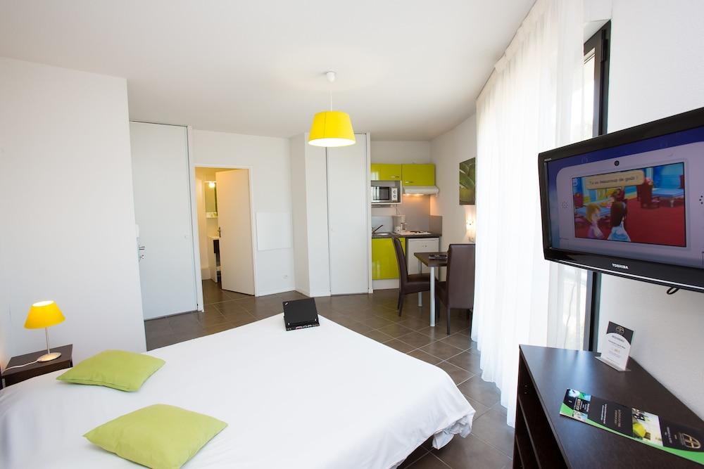 올 스위트 아파트 호텔 포(All Suites Appart Hotel Pau) Hotel Image 7 - Guestroom