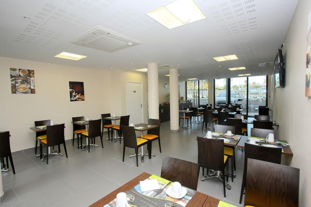 올 스위트 아파트 호텔 포(All Suites Appart Hotel Pau) Hotel Image 23 - Breakfast Area