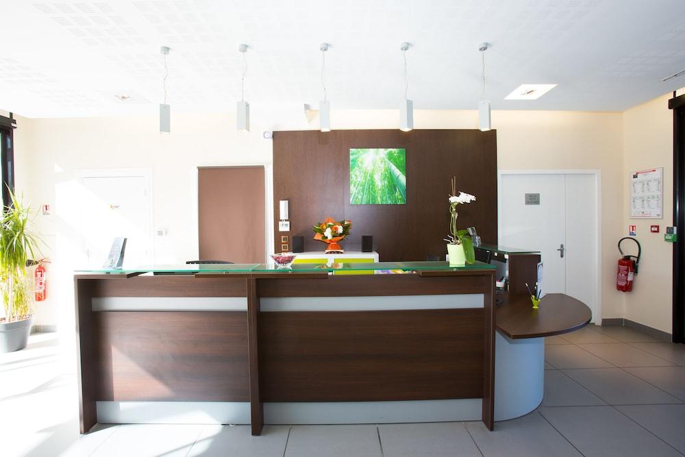 올 스위트 아파트 호텔 포(All Suites Appart Hotel Pau) Hotel Image 2 - Reception