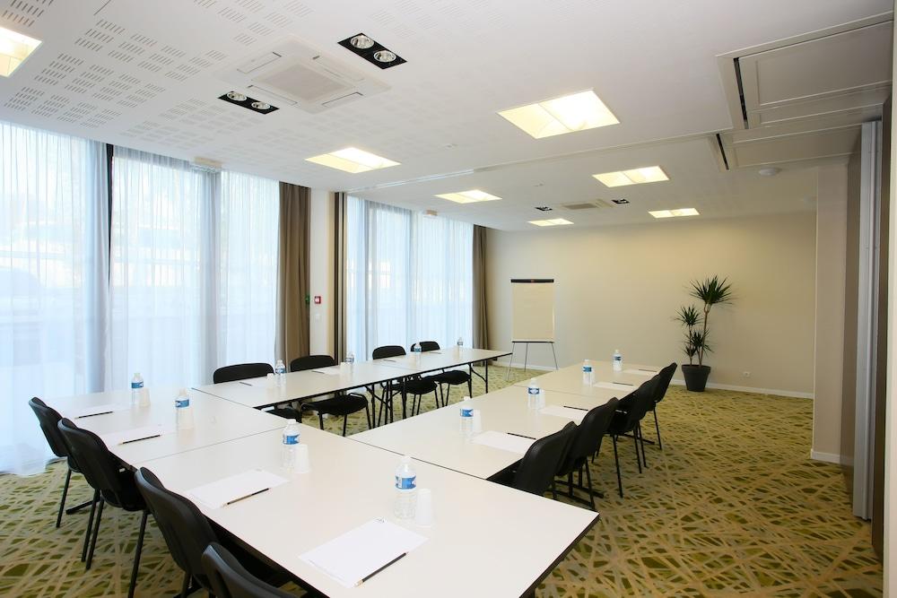 올 스위트 아파트 호텔 포(All Suites Appart Hotel Pau) Hotel Image 25 - Meeting Facility
