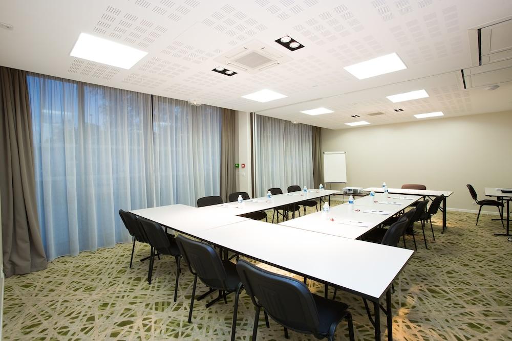 올 스위트 아파트 호텔 포(All Suites Appart Hotel Pau) Hotel Image 27 - Meeting Facility