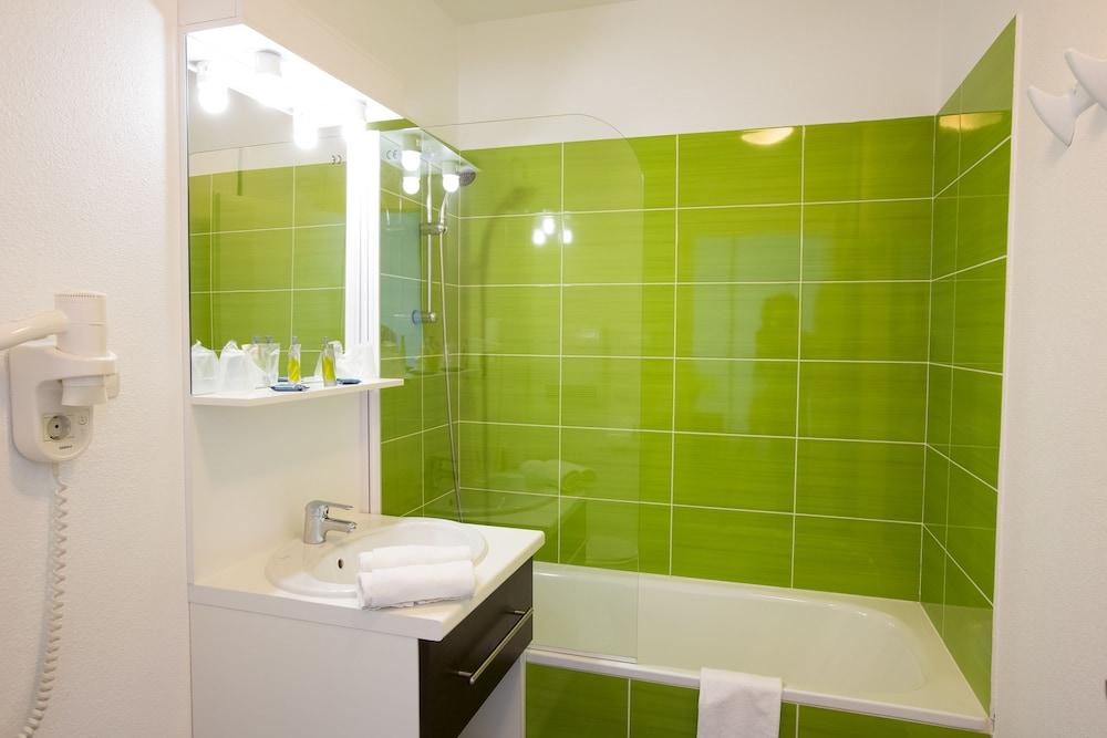 올 스위트 아파트 호텔 포(All Suites Appart Hotel Pau) Hotel Image 14 - Bathroom