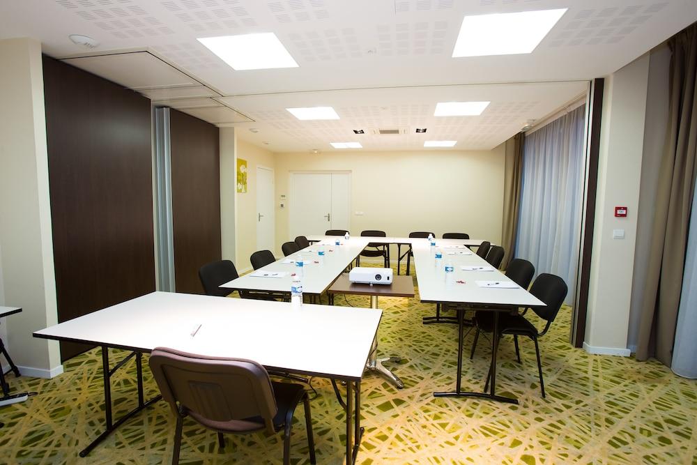 올 스위트 아파트 호텔 포(All Suites Appart Hotel Pau) Hotel Image 28 - Meeting Facility