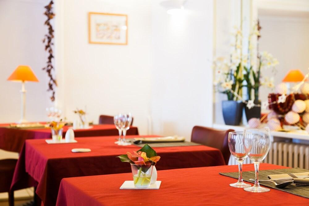 르 생조르주(Le Saint Georges) Hotel Image 15 - Restaurant