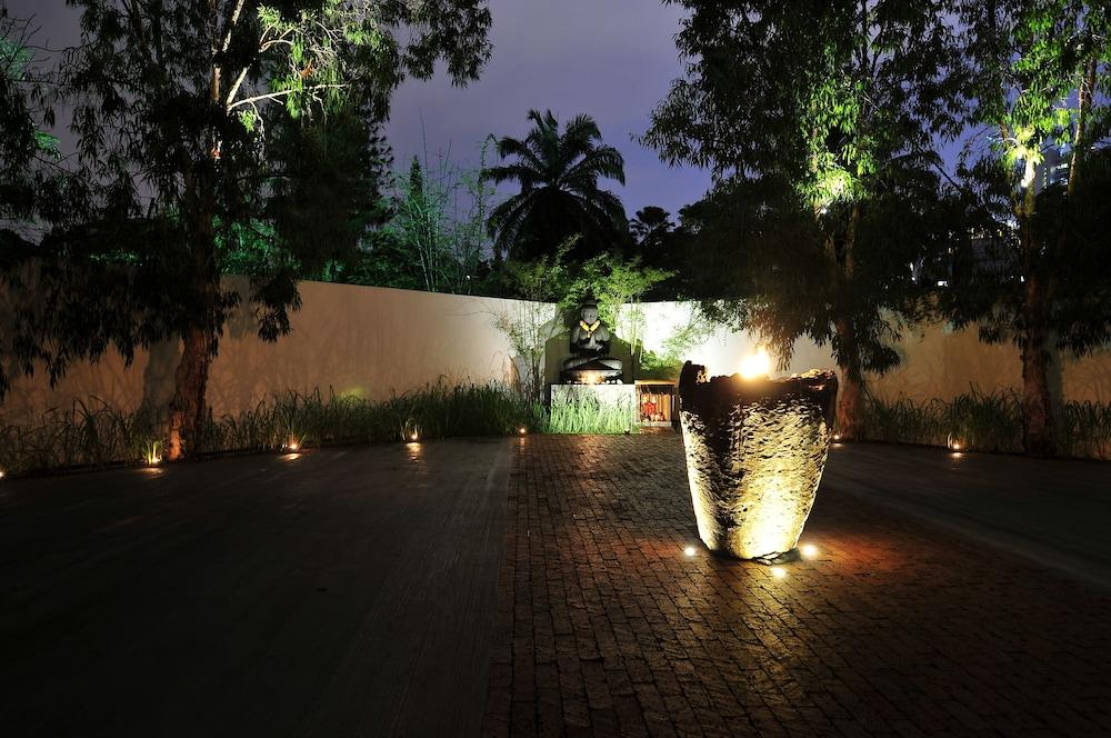 빌라 사마디 콸라 룸푸르(Villa Samadhi Kuala Lumpur) Hotel Image 40 - Courtyard