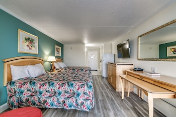 Guestroom at Sea Hawk Motel in Myrtle Beach