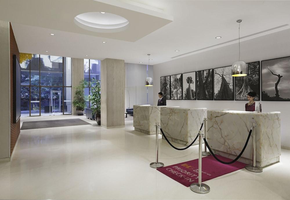 크라운 플라자 푸네 시티 센터(Crowne Plaza Pune City Centre) Hotel Image 1 - Lobby