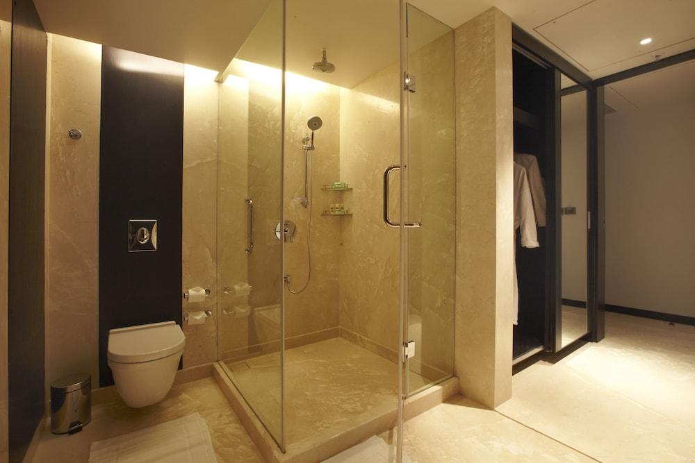 크라운 플라자 푸네 시티 센터(Crowne Plaza Pune City Centre) Hotel Image 11 - In-Room Amenity