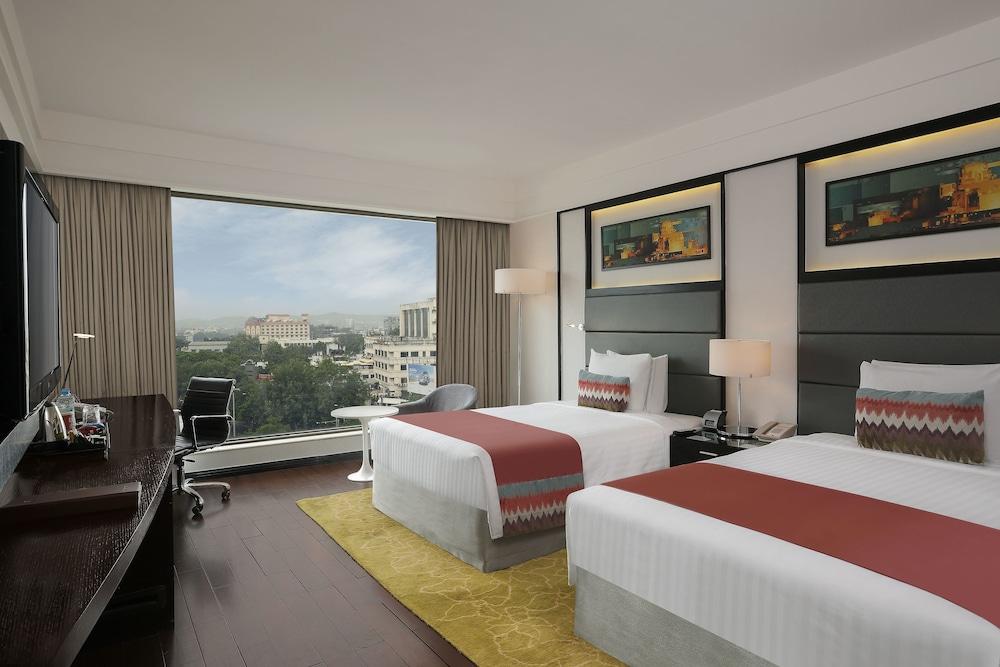 크라운 플라자 푸네 시티 센터(Crowne Plaza Pune City Centre) Hotel Image 7 - Guestroom