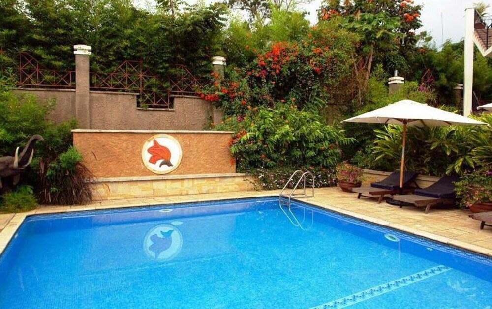 아프리칸 튤립 호텔(The African Tulip Hotel) Hotel Image 15 - Outdoor Pool