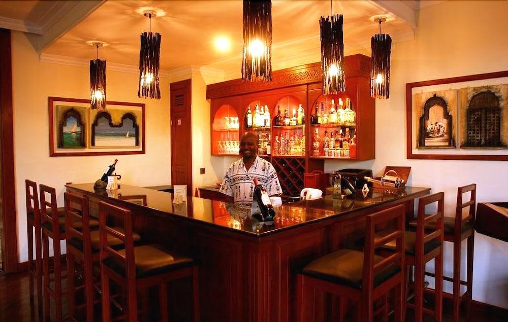 아프리칸 튤립 호텔(The African Tulip Hotel) Hotel Image 23 - Hotel Bar