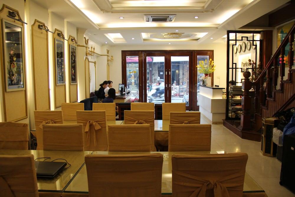 타이슨 그랜드 호텔(Parkson Hotel Hanoi) Hotel Image 1 - Lobby Sitting Area