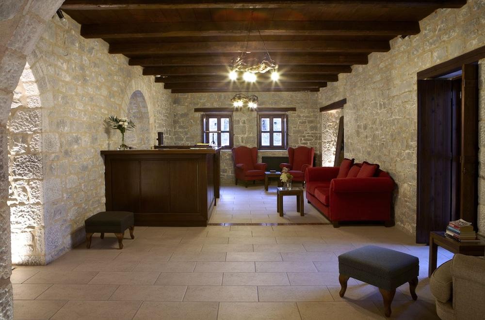 페트라 카이 포스 부티크 호텔 & 스파(Petra Kai Fos Boutique Hotel & Spa) Hotel Image 1 - Lobby Sitting Area