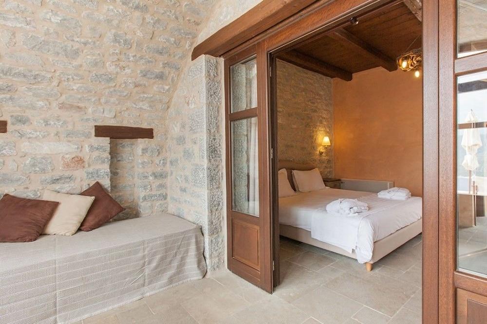 페트라 카이 포스 부티크 호텔 & 스파(Petra Kai Fos Boutique Hotel & Spa) Hotel Image 7 - Guestroom