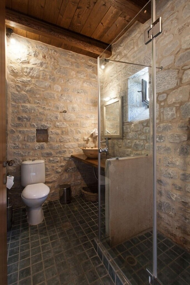 페트라 카이 포스 부티크 호텔 & 스파(Petra Kai Fos Boutique Hotel & Spa) Hotel Image 23 - Bathroom