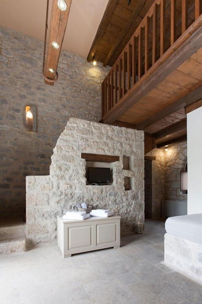 페트라 카이 포스 부티크 호텔 & 스파(Petra Kai Fos Boutique Hotel & Spa) Hotel Image 19 - In-Room Amenity
