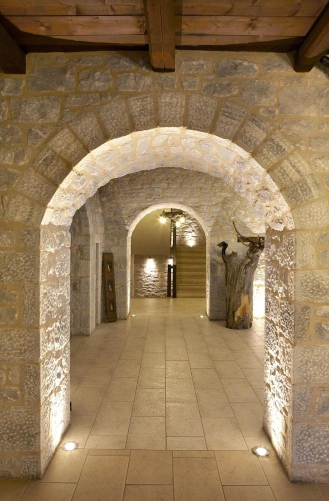 페트라 카이 포스 부티크 호텔 & 스파(Petra Kai Fos Boutique Hotel & Spa) Hotel Image 54 - Hallway