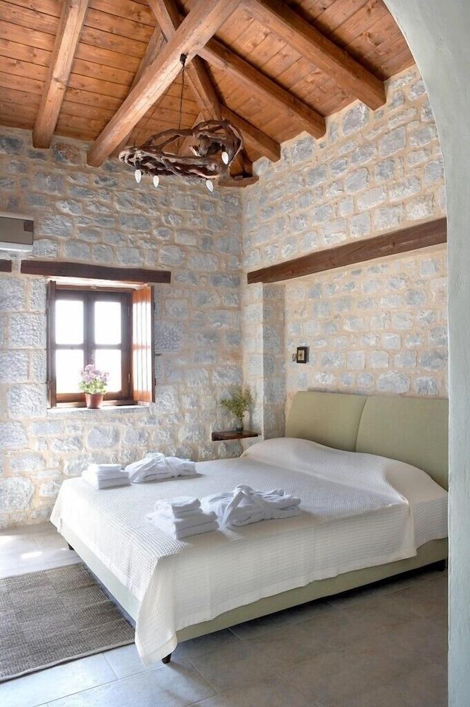 페트라 카이 포스 부티크 호텔 & 스파(Petra Kai Fos Boutique Hotel & Spa) Hotel Image 9 - Guestroom