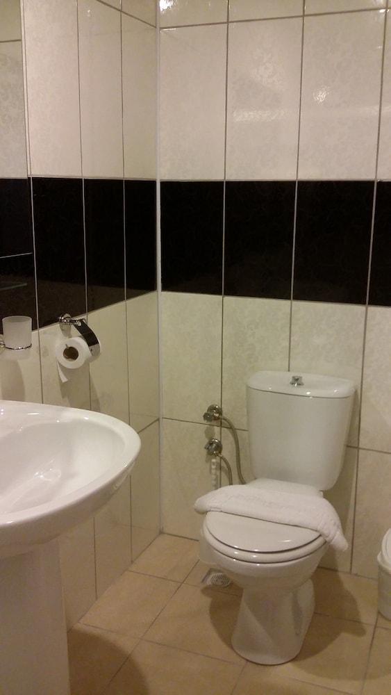 호텔 프리메라(Hotel Primera) Hotel Image 11 - Bathroom