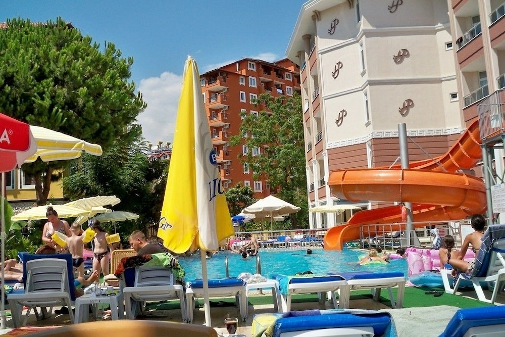 호텔 프리메라(Hotel Primera) Hotel Image 19 - Outdoor Pool