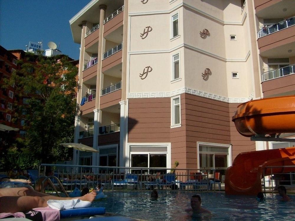 호텔 프리메라(Hotel Primera) Hotel Image 30 - Exterior